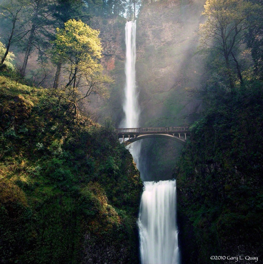 Multnimah-Falls,-May-2010.jpg